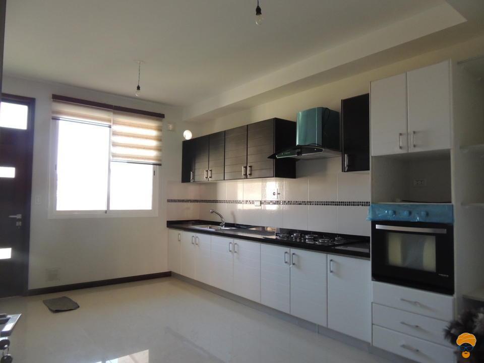 2-thumbnail-hermosa-casa-minimalista-km-5-a-sacaba
