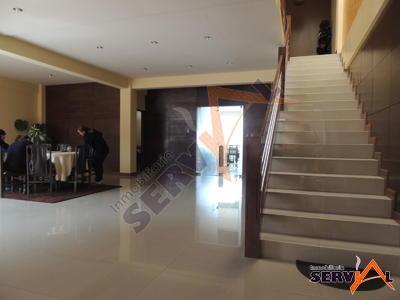 hermosa-casa-3-plantas-minimalista-inmediaciones-universidad-catolica