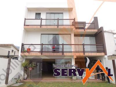 1-thumbnail-hermosa-casa-3-plantas-minimalista-inmediaciones-universidad-catolica