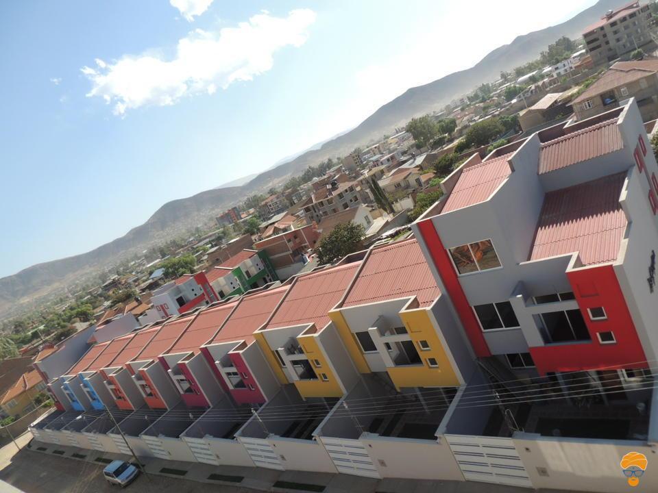 9-thumbnail-casa-3-pisos-estilo-minimalista-en-condominio