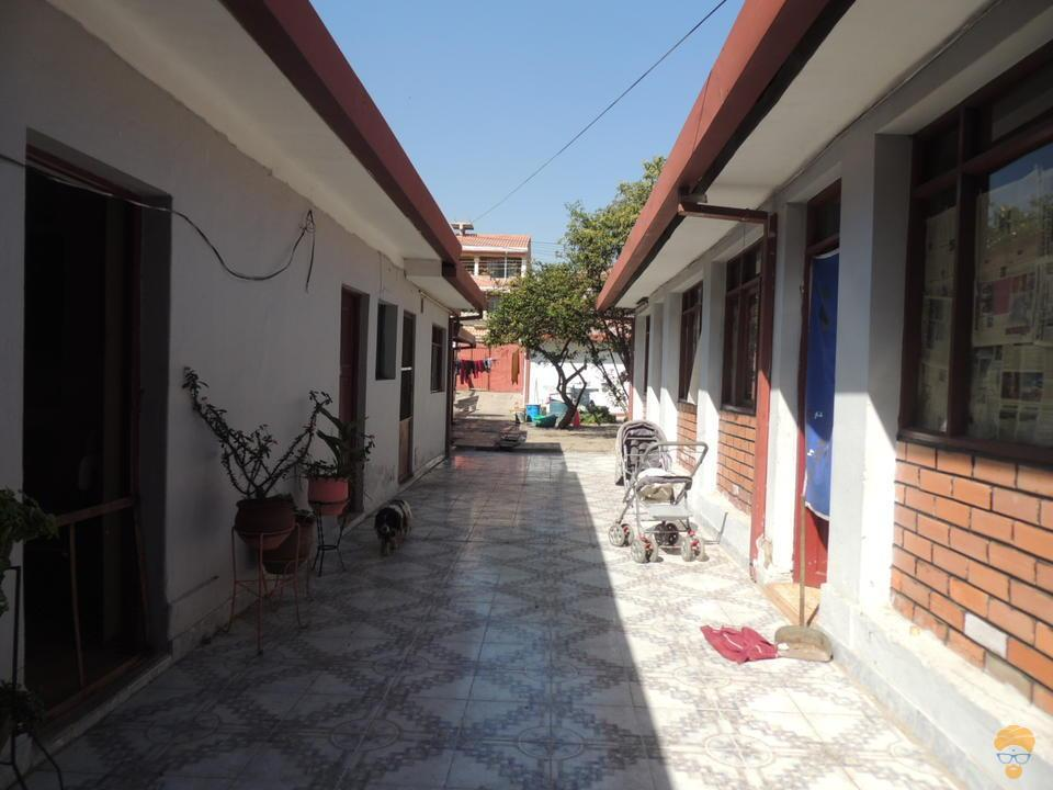 5-thumbnail-vendo-casa-sobre-336-mts-perez