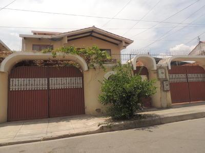 casa-semi-independiente-de-2-plantas-en-anticretico