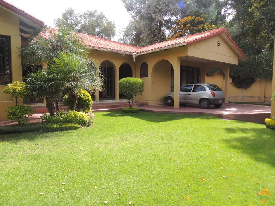 1-thumbnail-vendo-casa-sobre-752-metros-avenida-pando