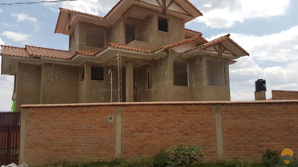1-thumbnail-vendo-casa-de-tres-plantas-inmediaciones-chilimarca