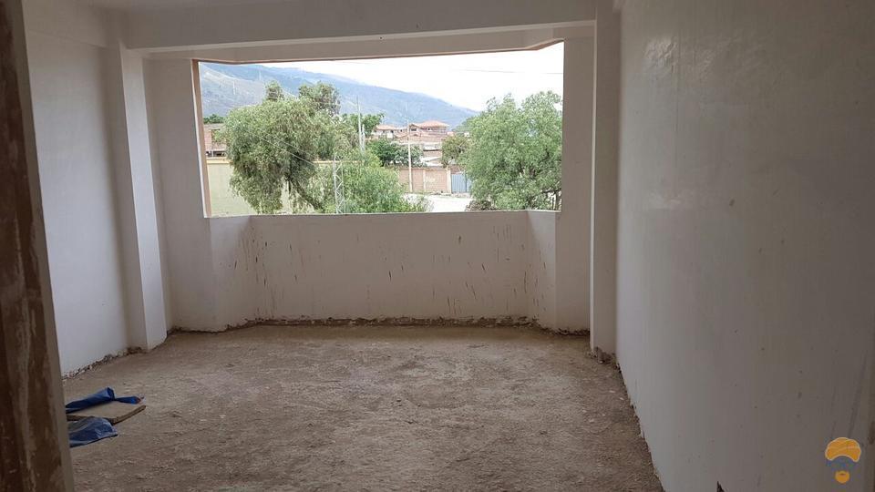 4-thumbnail-vendo-casa-de-tres-plantas-inmediaciones-chilimarca