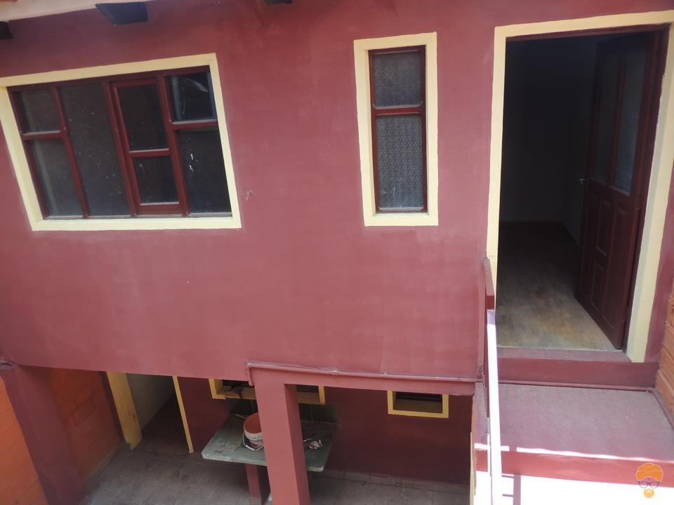 4-thumbnail-vendo-casa-de-dos-plantas-avenida-blanco-galindo