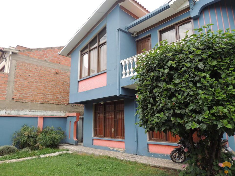 1-thumbnail-casa-de-2-plantas-en-juan-de-la-rosa-hipermaxi