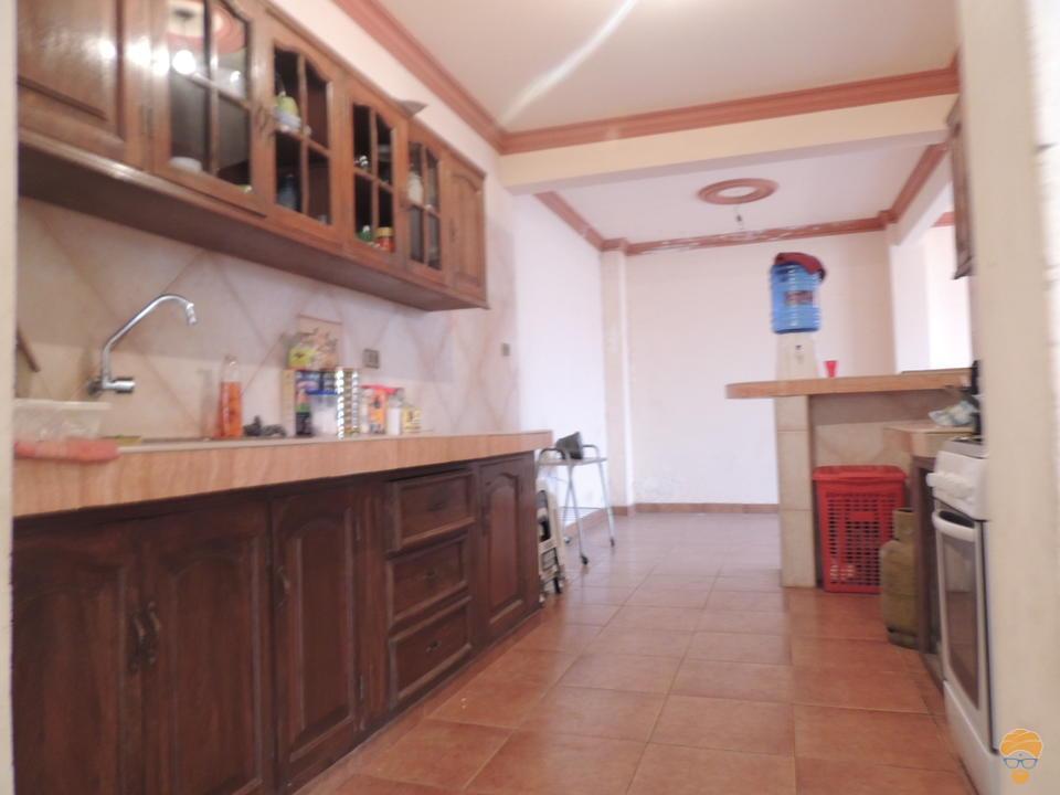 7-thumbnail-vendo-casa-de-3-pisos-zona-seminario