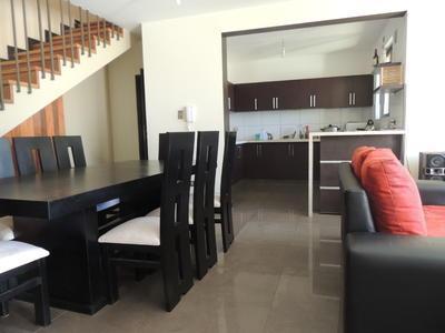 en-venta-casa-de-tres-planta-zona-quintanilla