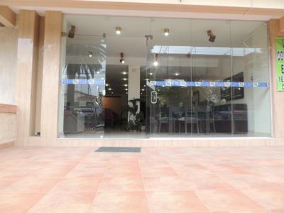 en-cala-cala-vendo-local-comercial-sobre-avenida