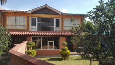 hermosa-casa-con-2-construcciones-sector-colegio-aisb