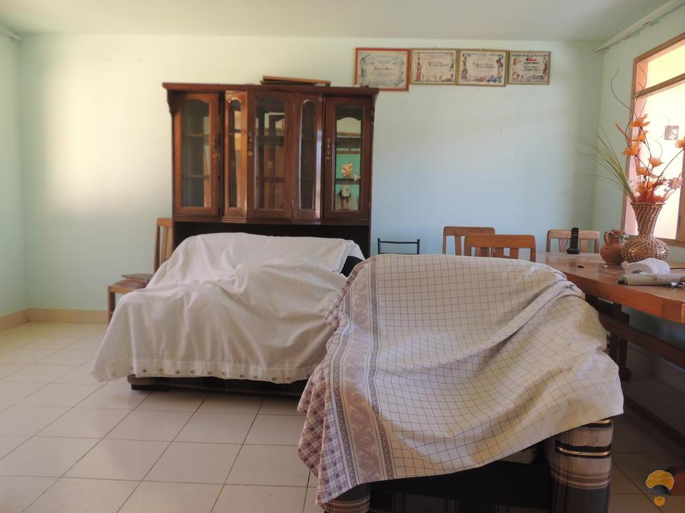 4-thumbnail-casa-en-venta-inmediaciones-templo-departamento