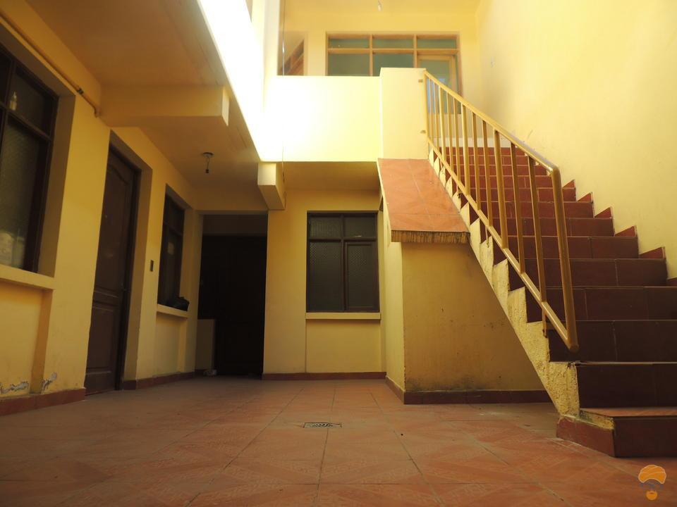3-thumbnail-casa-en-venta-inmediaciones-templo-departamento