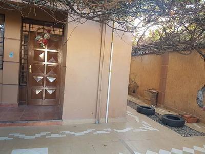 casa-semi-independiente-en-alquiler-villavicencio