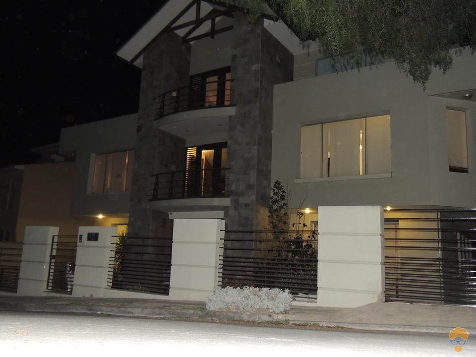 9-thumbnail-hermosa-casa-en-venta-de-construccion