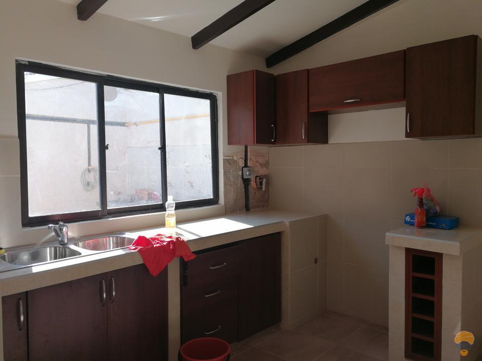 4-thumbnail-casa-en-venta-inmediaciones-avcircunvalacion-av-melchor-perez