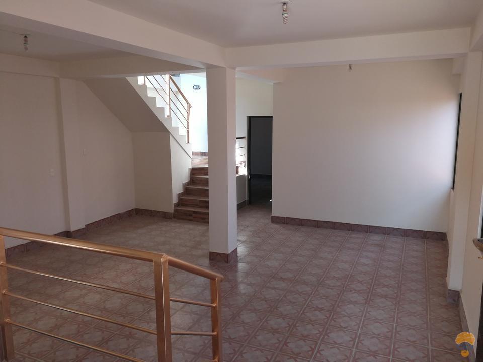 3-thumbnail-casa-en-venta-inmediaciones-avcircunvalacion-av-melchor-perez