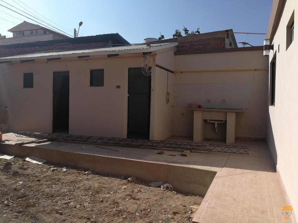 9-thumbnail-casa-en-venta-inmediaciones-avcircunvalacion-av-melchor-perez