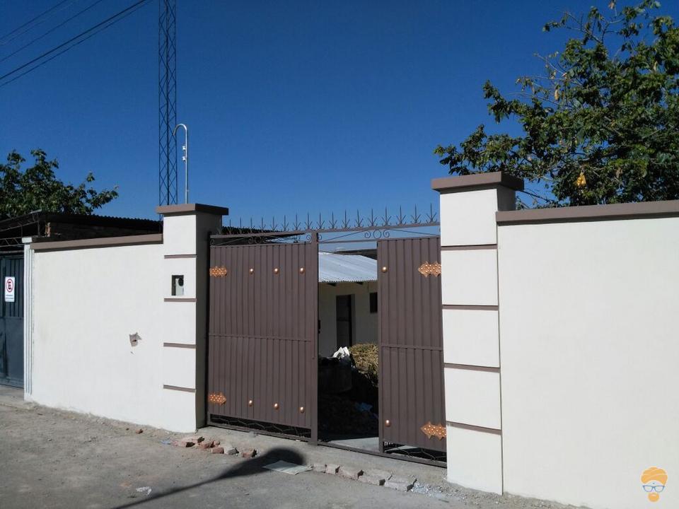 1-thumbnail-casa-en-venta-inmediaciones-avcircunvalacion-av-melchor-perez