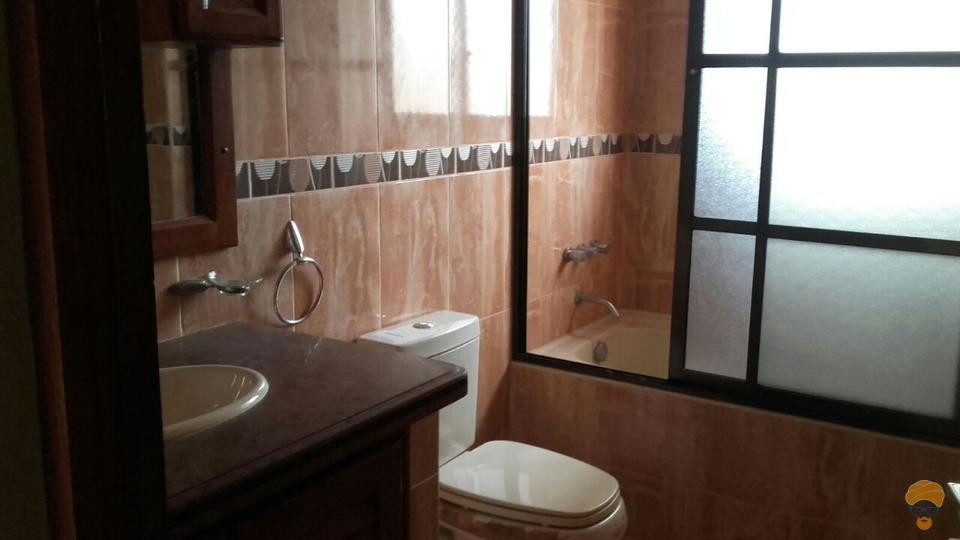 8-thumbnail-casa-en-venta-inmediaciones-del-colegio-issac-attie