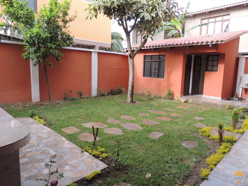 3-thumbnail-casa-en-venta-de-2-av-villavicencio