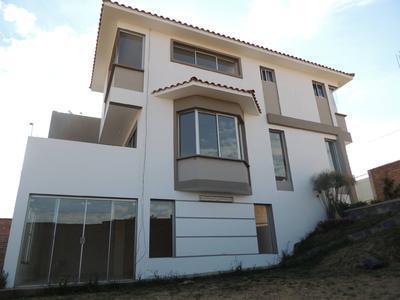 en-venta-hermosa-casa-estilo-minimalista-zona-huayllani