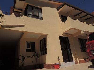 amplia-casa-en-venta-de-zona-las-cuadras