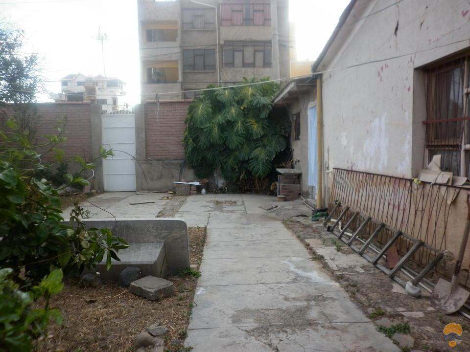 4-thumbnail-vendo-casa-como-lote-inmediaciones-torre