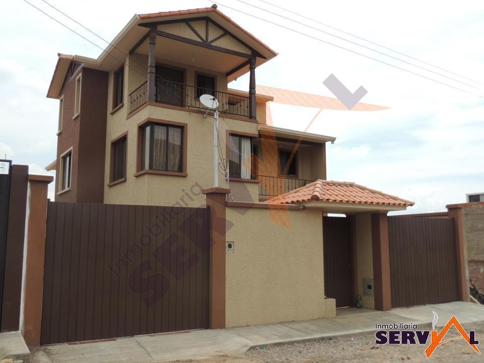 2-thumbnail-casa-en-venta-de-3-zona-esmeralda-norte