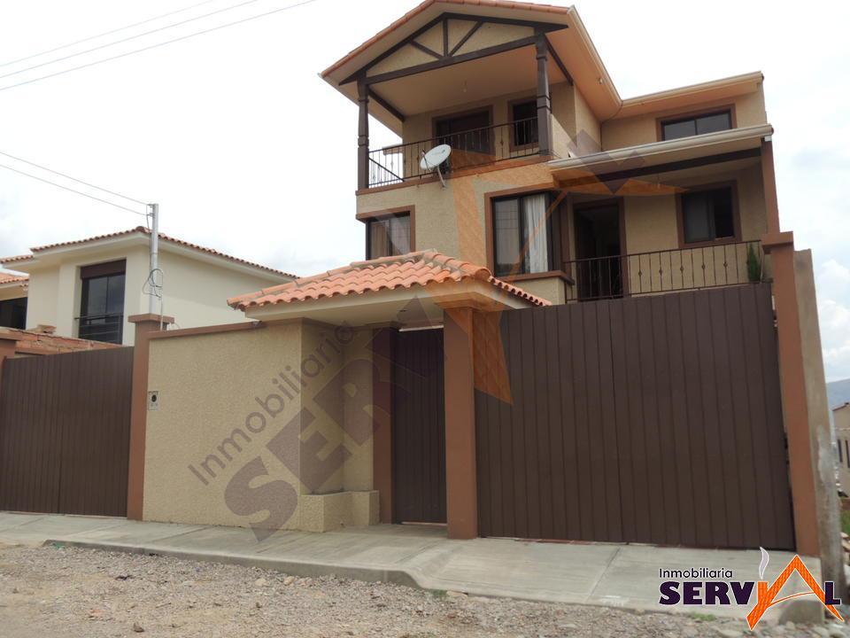 8-thumbnail-casa-en-venta-de-3-zona-esmeralda-norte