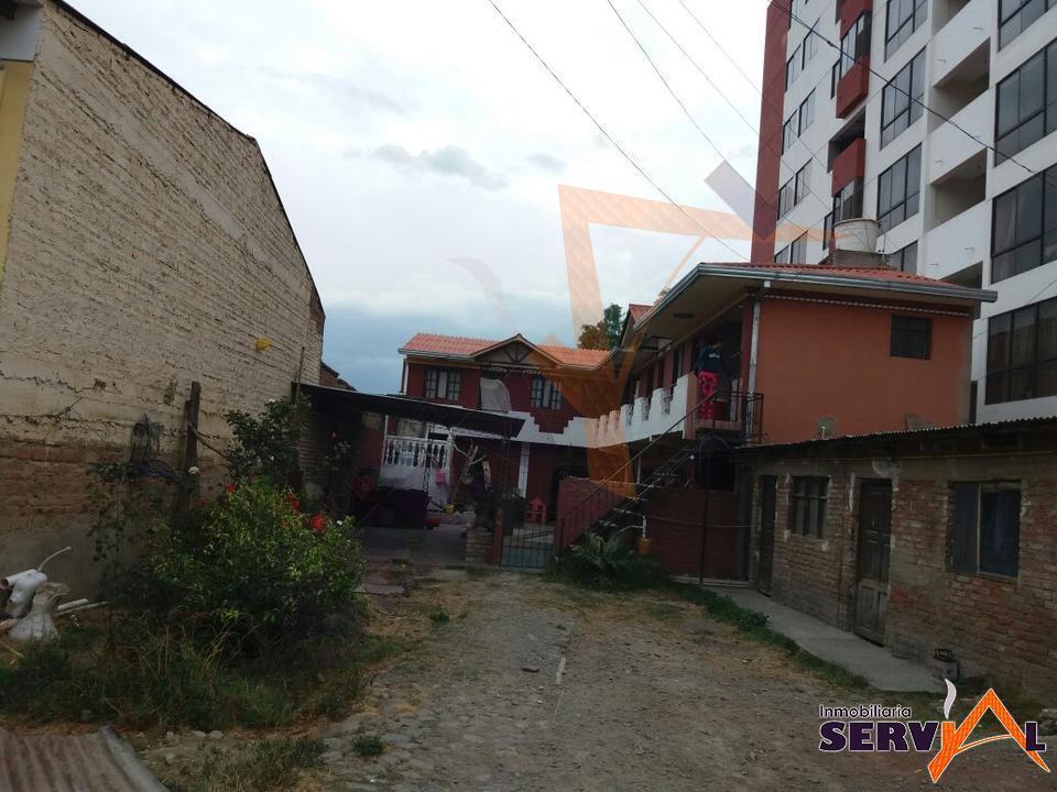 1-thumbnail-casa-con-dos-departamentos-en-av-beijing