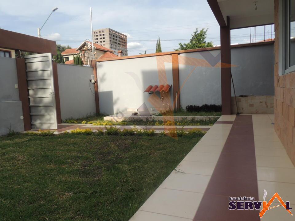 9-thumbnail-hermosa-casa-en-venta-a-zona-villa-busch