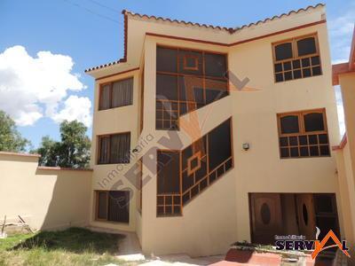 hermosa-casa-en-venta-de-urbanizacion-bella-vista