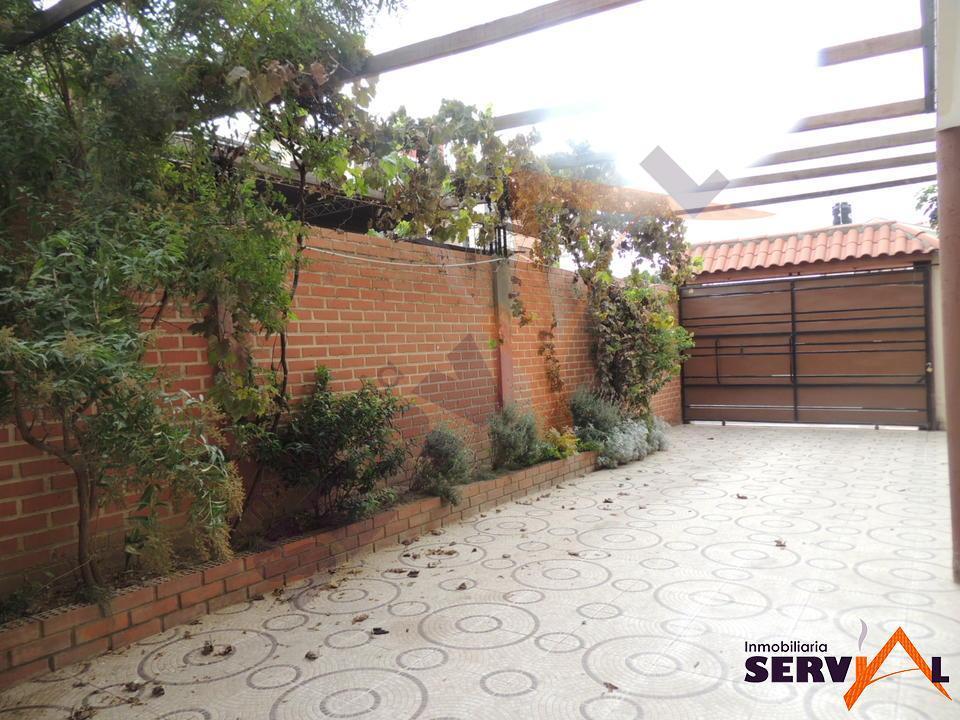 12-thumbnail-hermosa-casa-en-venta-con-av-villavicencio-thunupa