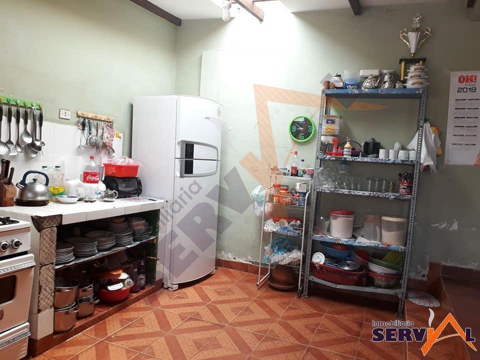 8-thumbnail-vendo-amplia-casa-sobre-487-sacaba-al-norte