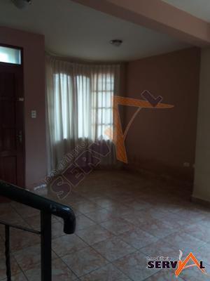 casa-de-dos-plantas-en-melchor-perez