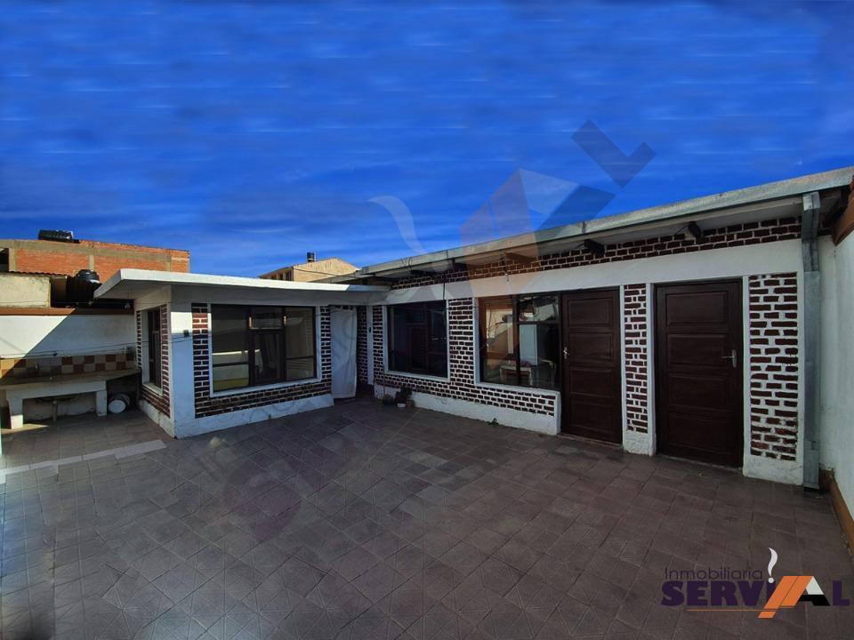 1-thumbnail-hermosa-casa-en-venta-zona-barrio-profesional