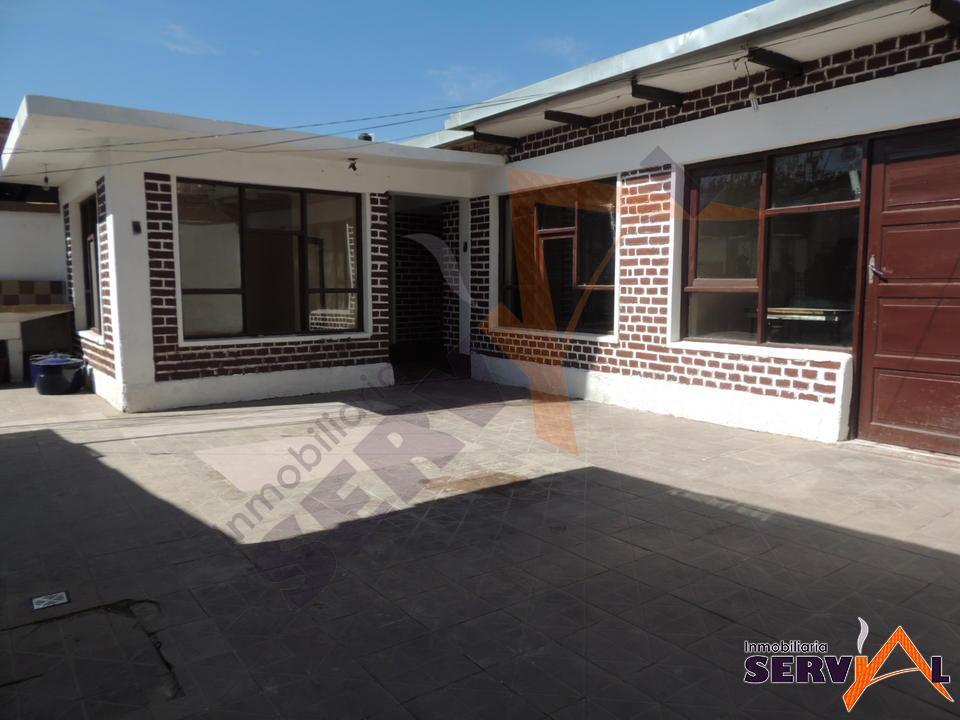 8-thumbnail-hermosa-casa-en-venta-zona-barrio-profesional