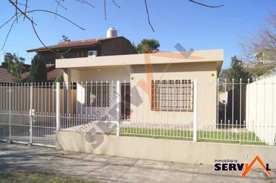 alquilo-casa-independiente-sobre-avenida-av-melchor-perez