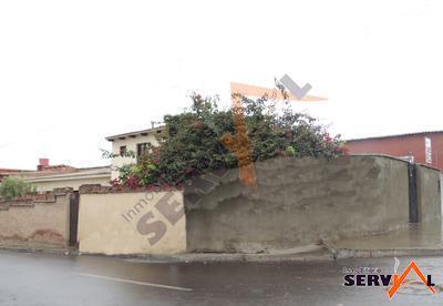 casa-de-dos-plantas-sobre-inmediaciones-av-beijing