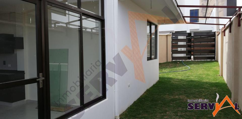 8-thumbnail-casa-en-alquiler-en-condominio-inmediaciones-colegio-tiquipaya