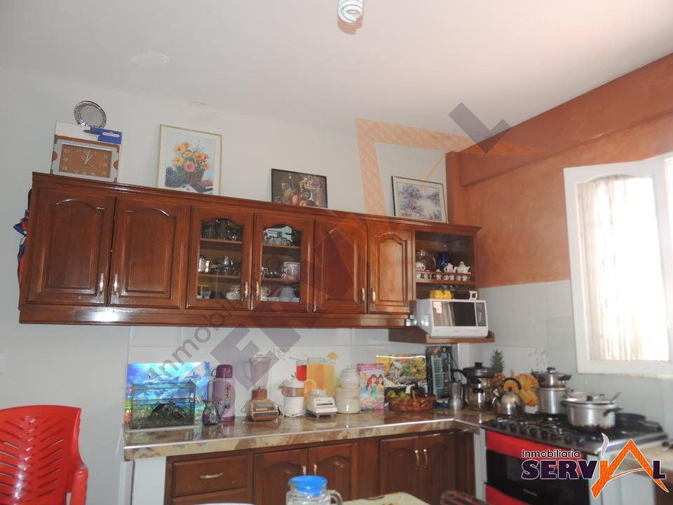 6-thumbnail-casa-en-venta-sobre-697-chiqicollo-av-linde