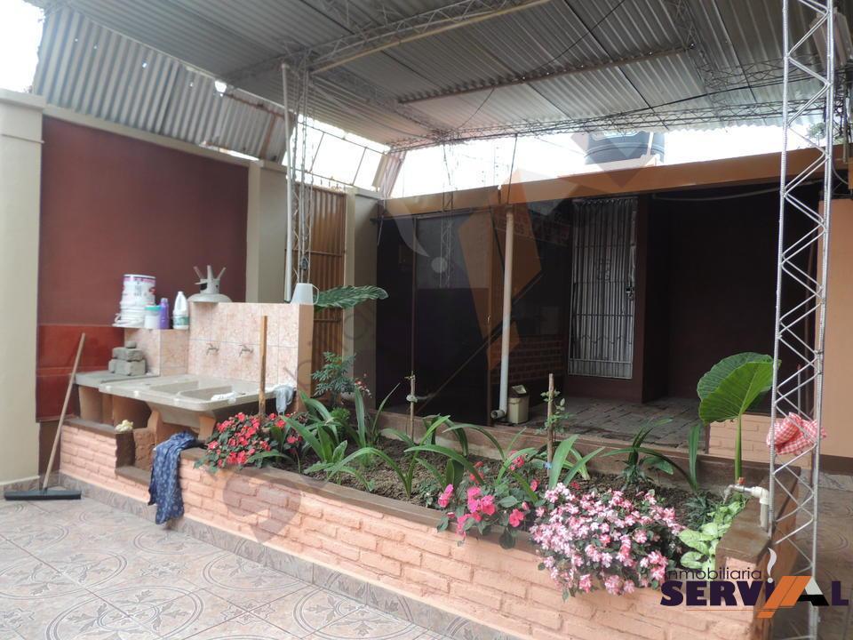 11-thumbnail-vendo-casa-planta-en-inmediaciones-av-circunvalacion