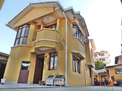 casa-en-venta-con-departamento-auxiliar-zona-hipodromo