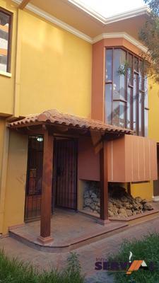 alquilo-casa-de-2-pisos-haenke-villavicencio