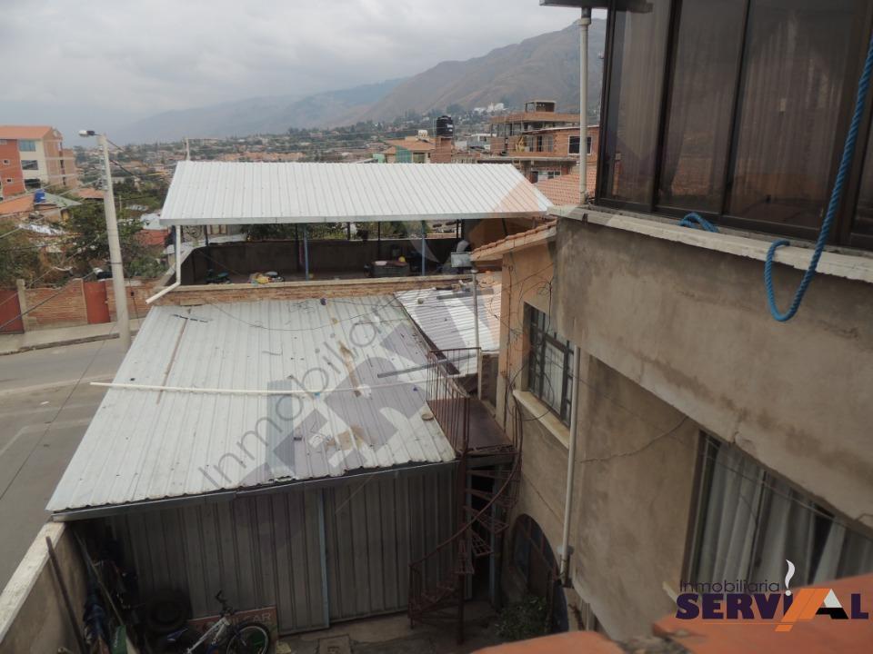 3-thumbnail-casa-de-3-plantas-en-hospital-montano