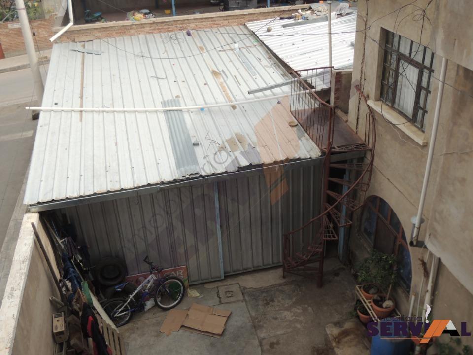 5-thumbnail-casa-de-3-plantas-en-hospital-montano