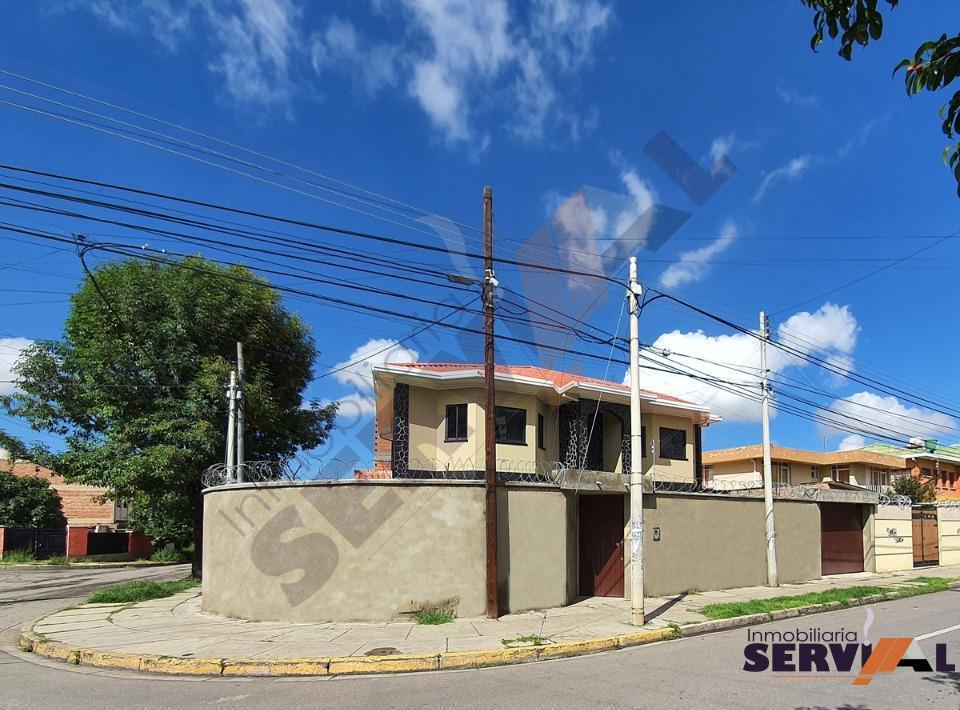 1-thumbnail-sobre-avenida-casa-2-plantas-arce