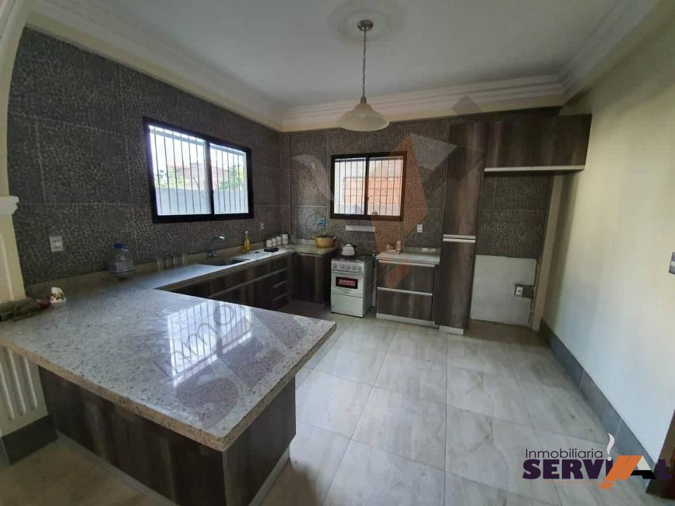 9-thumbnail-sobre-avenida-casa-2-plantas-arce