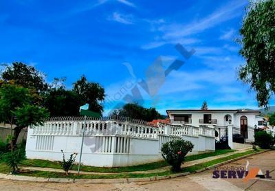 hermosa-propiedad-de-3-niveles-urbanizacion-mirador